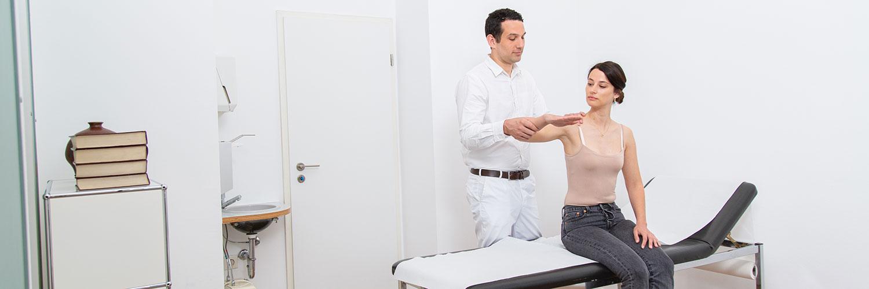 Orthopädie Frankfurt Westend - Frömel - Untersuchung in der Praxis