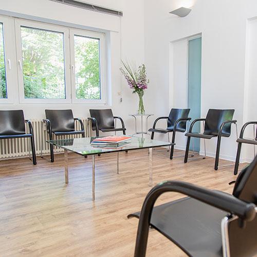 Orthopädie Frankfurt Westend - Frömel - Wartezimmer der Praxis